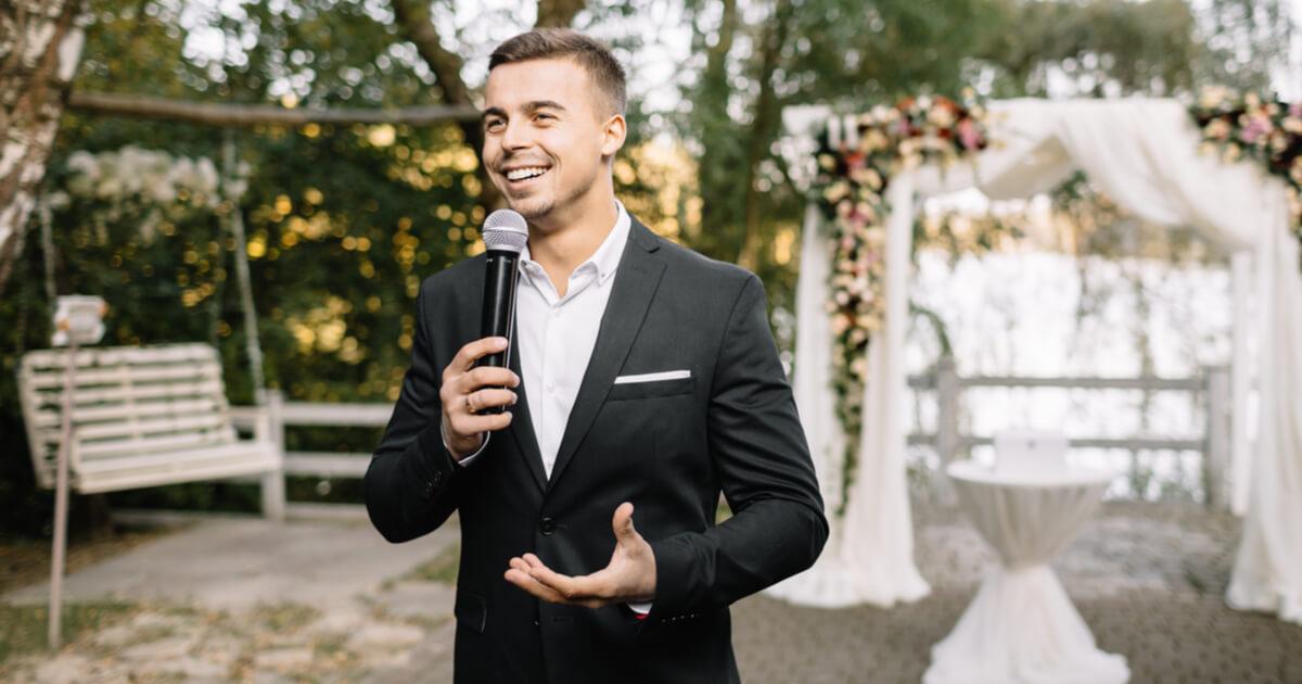 結婚式 スピーチ 感動