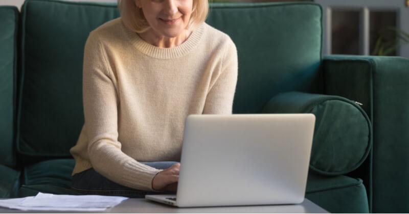 50代から独学で取得する勉強方法って?