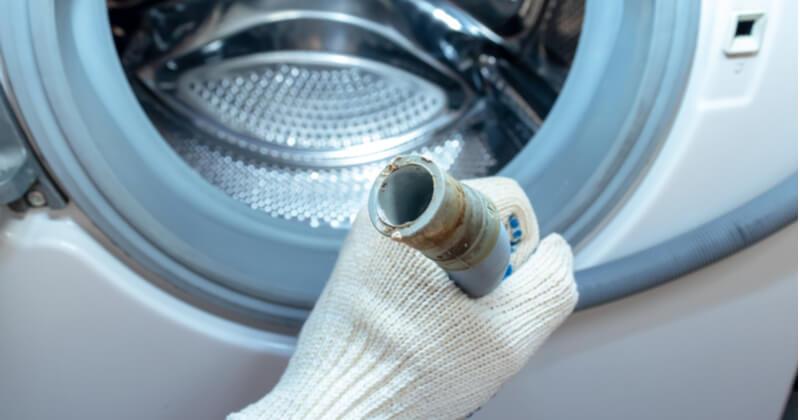 洗濯機の排水口の掃除方法
