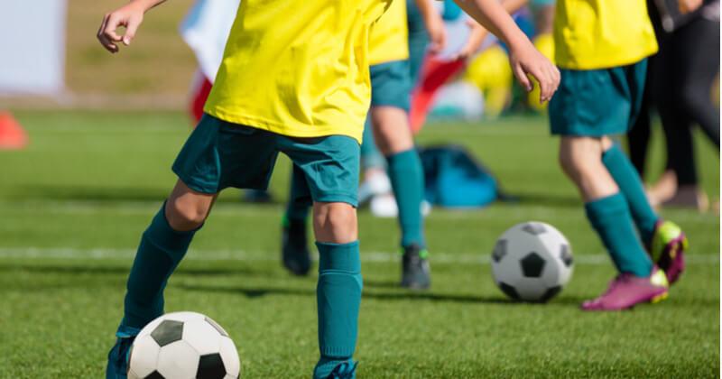 サッカーのレッスンを受けて目標を達成しよう