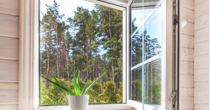 定期的に窓掃除をして快適な暮らしを!